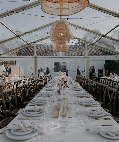 Sit-down-marquee-coastal-luxe